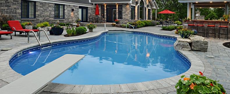 Kidney pool shape